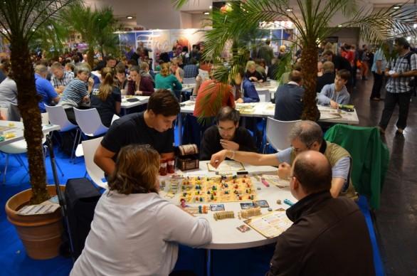 Five Tribes se v Essenu 2014 hrály stylově pod palmami.