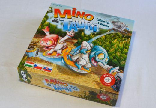 Mino a Tauri procházejí labyrintem