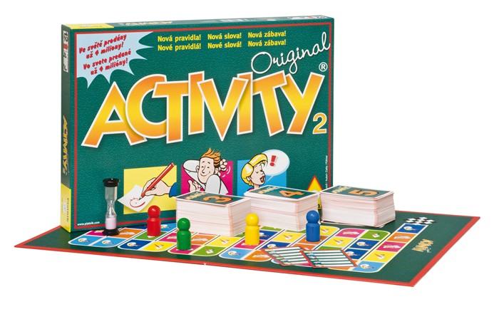 Krabice a rozložená hra